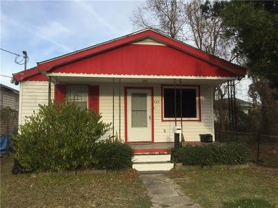 Single Family Home For Sale: 9231 Fig Street