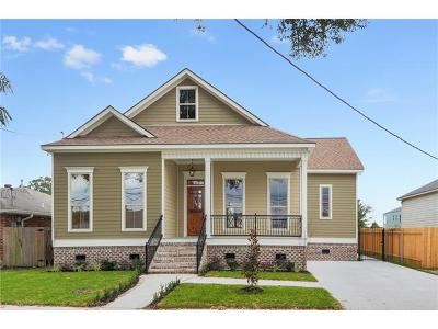 New Orleans Single Family Home For Sale: 6123 Charlotte Drive