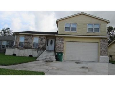 Harvey Single Family Home For Sale: 3841 Redbud Lane