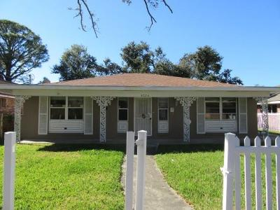 New Orleans Single Family Home For Sale: 4726 Camelot Drive