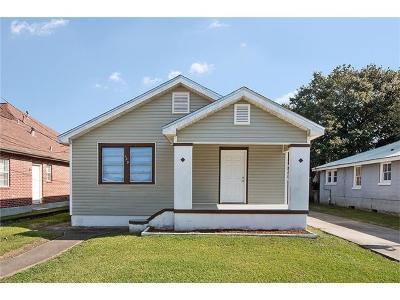 Harvey Single Family Home For Sale: 429 Fos Avenue