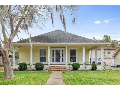 Destrehan Single Family Home Pending Continue to Show: 194 Dunleith Drive