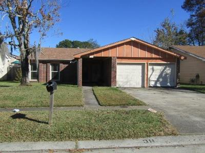 Harvey Single Family Home For Sale: 2333 Deerlick Lane