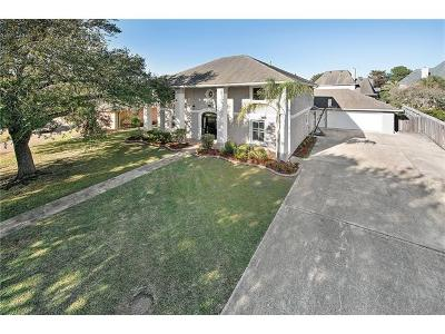 Kenner Single Family Home For Sale: 62 Chateau Mouton Drive