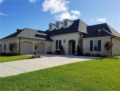 Kenner Single Family Home For Sale: 153 Dogwood Drive
