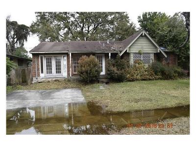Single Family Home Pending Continue to Show: 6713 Asher Street