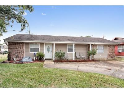 Kenner Single Family Home Pending Continue to Show: 215 Johns Hopkins Drive