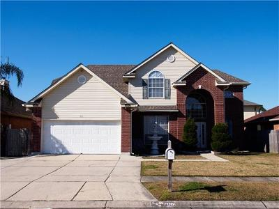 Gretna Single Family Home Pending Continue to Show: 706 Olivia Lane