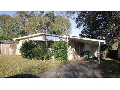 Gretna Single Family Home Pending Continue to Show: 411 Cranberry Drive