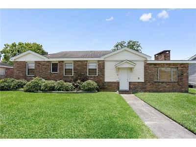Jefferson Single Family Home For Sale: 4 Helen Avenue