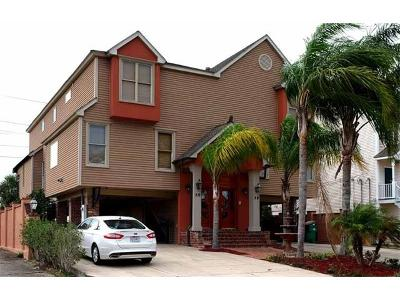 Destrehan Townhouse For Sale: 30 Houmas Place