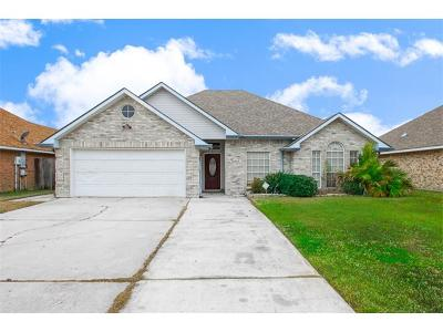 Slidell Single Family Home Pending Continue to Show: 202 Moonraker Drive