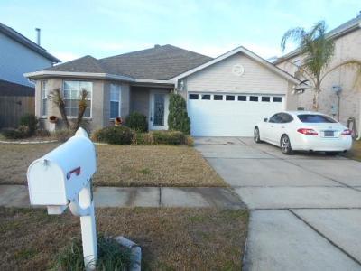 Gretna Single Family Home For Sale: 823 Delia Lane