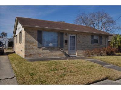 Jefferson Multi Family Home Pending Continue to Show: 528 Deckbar Avenue