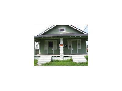 Gretna Multi Family Home For Sale: 701 Franklin Avenue
