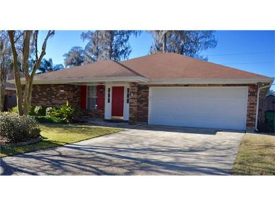 Destrehan Single Family Home Pending Continue to Show: 161 Dunleith Drive