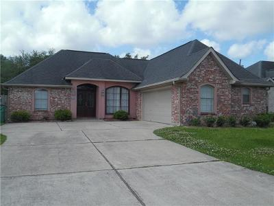 Destrehan Single Family Home For Sale: 330 Madewood Drive