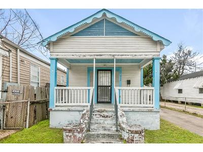 Single Family Home Pending Continue to Show: 1955 N Tonti Street