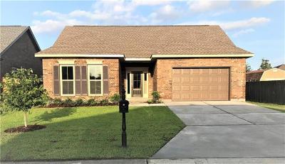 Marrero Single Family Home Pending Continue to Show: 4961 Grand Terre Drive