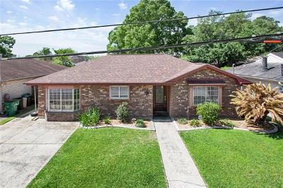 River Ridge, Harahan Single Family Home For Sale: 8700 Carriage Road