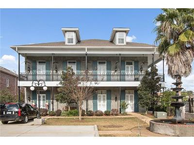 Covington Condo For Sale: 934 Village Walk Walk #A