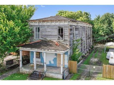 Multi Family Home For Sale: 4524 N Robertson Street