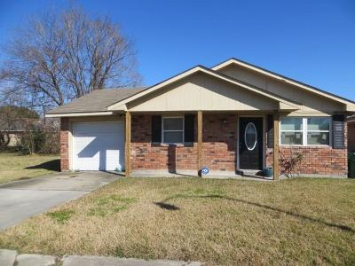 Marrero Single Family Home For Sale: 6717 Tuskegee Drive