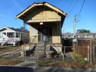 Single Family Home Pending Continue to Show: 2524 Touro Street