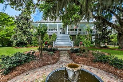 Mandeville Single Family Home For Sale: 2505 Lakeshore Drive