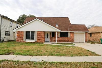 Gretna Single Family Home For Sale: 328 Briarmeade Drive