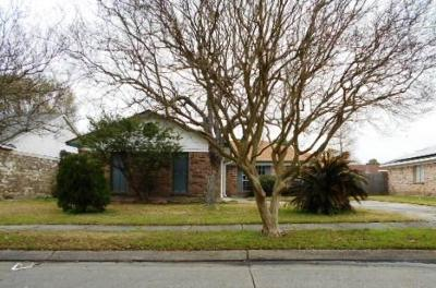 Harvey Single Family Home For Sale: 2101 Sugarloaf Drive