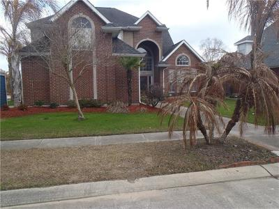 Kenner Single Family Home For Sale: 200 Little Bayou Lane