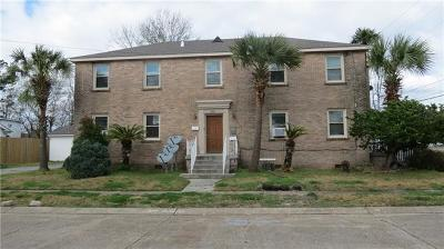 Metairie Multi Family Home For Sale: 604 N Causeway Boulevard