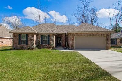 Mandeville Single Family Home For Sale: 227 Deval Drive