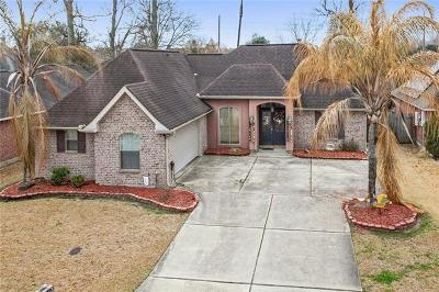 Destrehan Single Family Home For Sale: 318 Madewood Drive