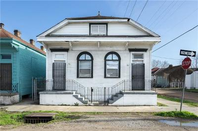 Single Family Home Pending Continue to Show: 2501 Saint Ann Street