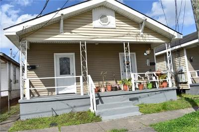 Gretna Multi Family Home Pending Continue to Show: 719 Romain Street