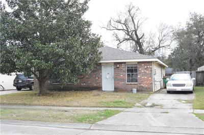 Single Family Home For Sale: 825 Hooter Road