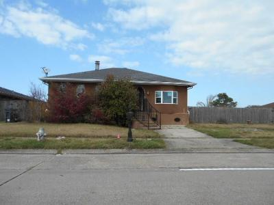 New Orleans Single Family Home For Sale: 8911 Dwyer Road