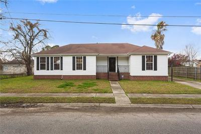 Single Family Home For Sale: 8810 Palmetto Street