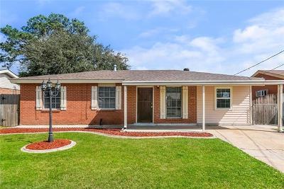 Single Family Home For Sale: 33 Bluebell Lane
