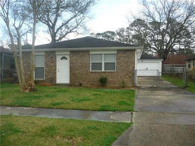 Single Family Home For Sale: 681 Hooter Road