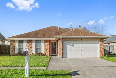 Kenner Single Family Home For Sale: 4 Caddo Court
