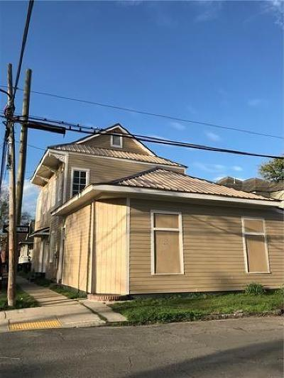 Single Family Home Pending Continue to Show: 4839 Constance Street