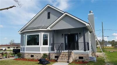 Arabi Single Family Home For Sale: 217 Beaver Drive