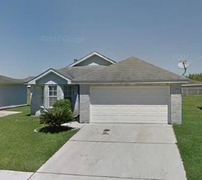 Marrero Single Family Home Pending Continue to Show: 2716 Bayou Cook Drive