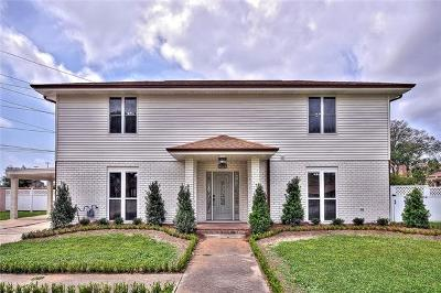 Kenner Single Family Home For Sale: 141 Woodlake Boulevard