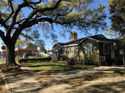 Jefferson Single Family Home For Sale: 2 Marilyn Avenue