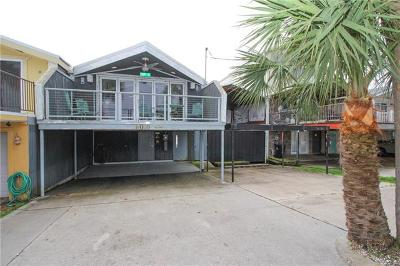 New Orleans Single Family Home For Sale: 8008-10 Breakwater Drive #63-64