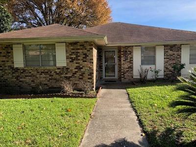 Kenner Single Family Home For Sale: 44 Brittany Drive